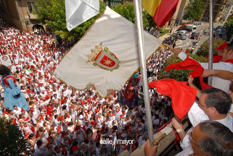 10-08-01 - fiestas de estella - calle mayor comunicación y publicidad (38)