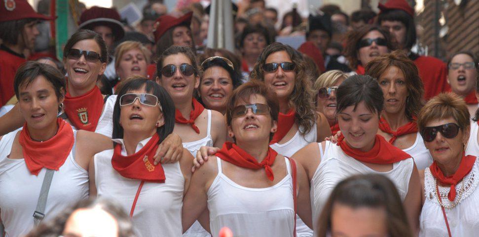 12-08-04 - fiestas de estella - calle mayor comunicacion y publicidad (7)