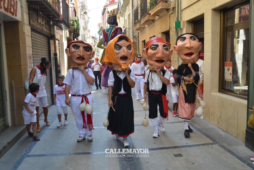12-08-07 - fiestas de estella - calle mayor comunicacion y publicidad (51)