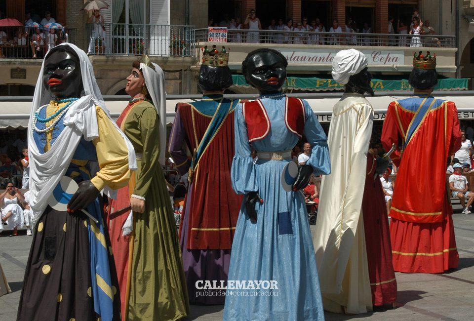12-08-09 - fiestas de estella - calle mayor comunicacion y publicidad (36)
