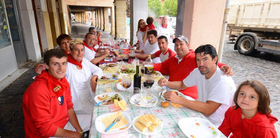 13-08-08 - fiestas de estella - calle mayor comunicacion y publicidad (17)