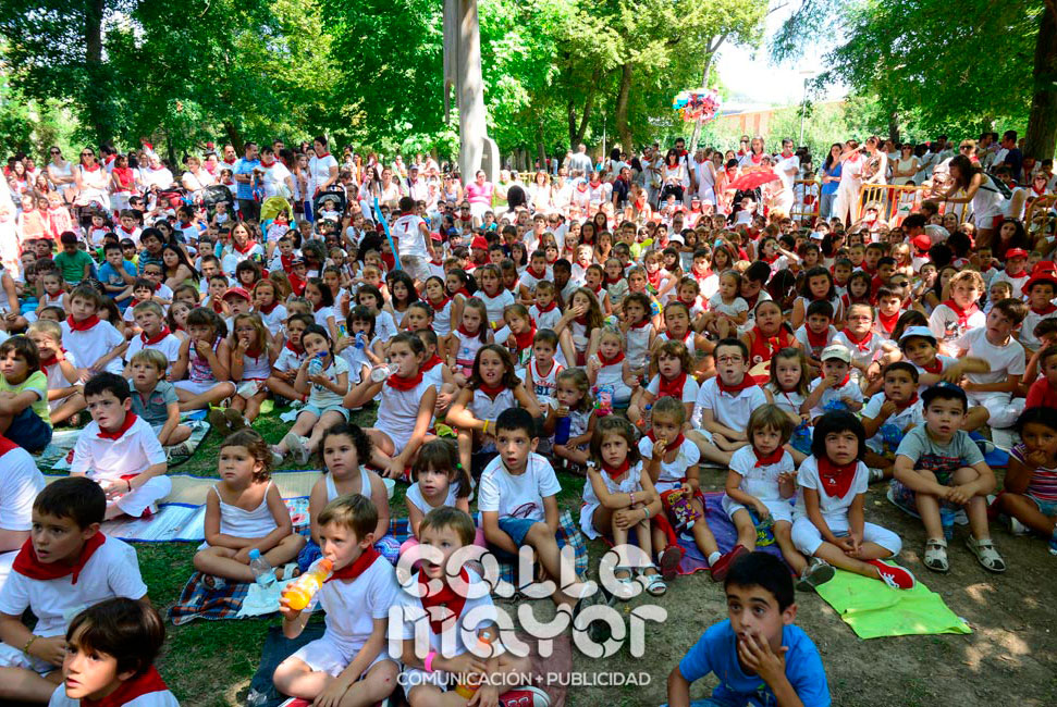 14-08-05-fiestas-de-estella-calle-mayor-comunicacion-y-publicidad-015